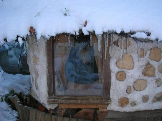 Fabriquer Niche Chat Bois : Cabane ?colo chauffante pour l'hivers pour chats ou chien !