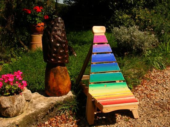 Mobiliers de jardin construits en palettes recycl es for Chaise confortable pour le dos
